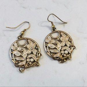 Jewelry - Beautiful Floral Cutout Earrings